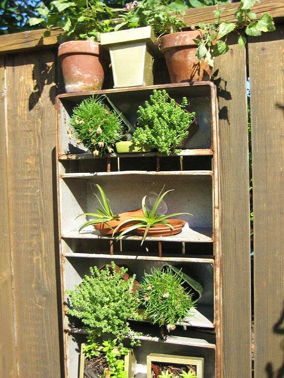 Superb Small Space Garden Inspiration - FineGardening