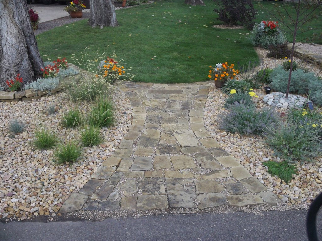 David 39 s front yard rock garden in colorado day 1 of 2 in for Decorative boulders for yard